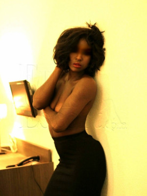 Girl Escort Adelle courtisane & Call Girl in Geneva